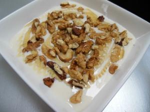 (Soja)yoghurt met walnoten en honing